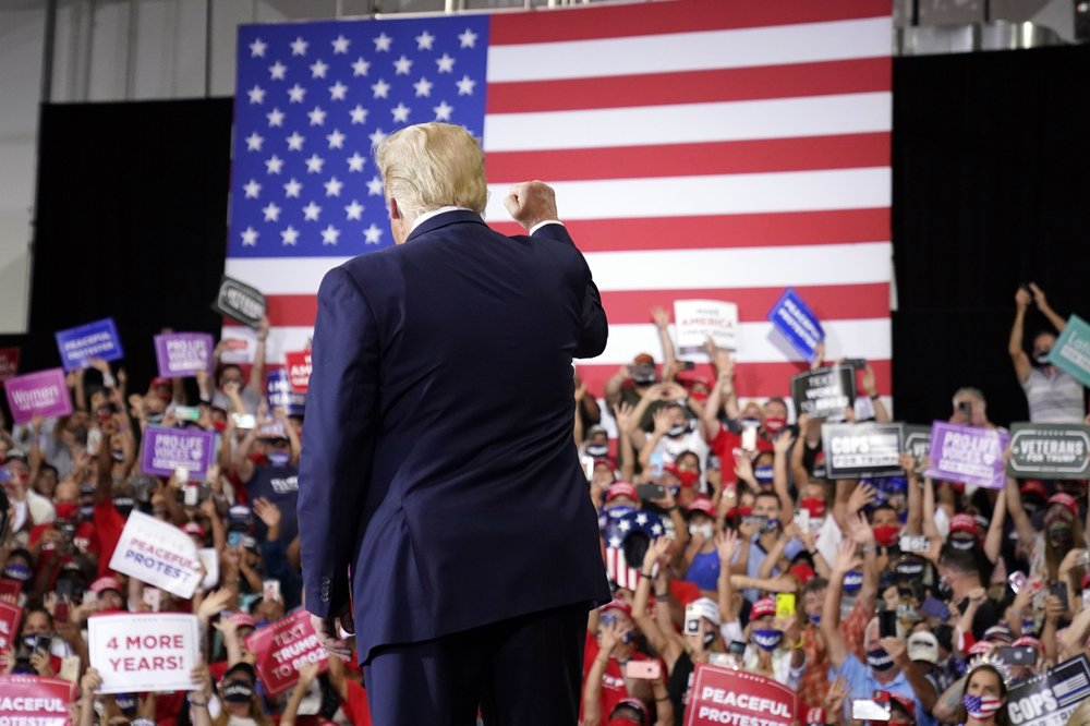 Trump Holds Indoor Rally in Defiance of Nevada Governor