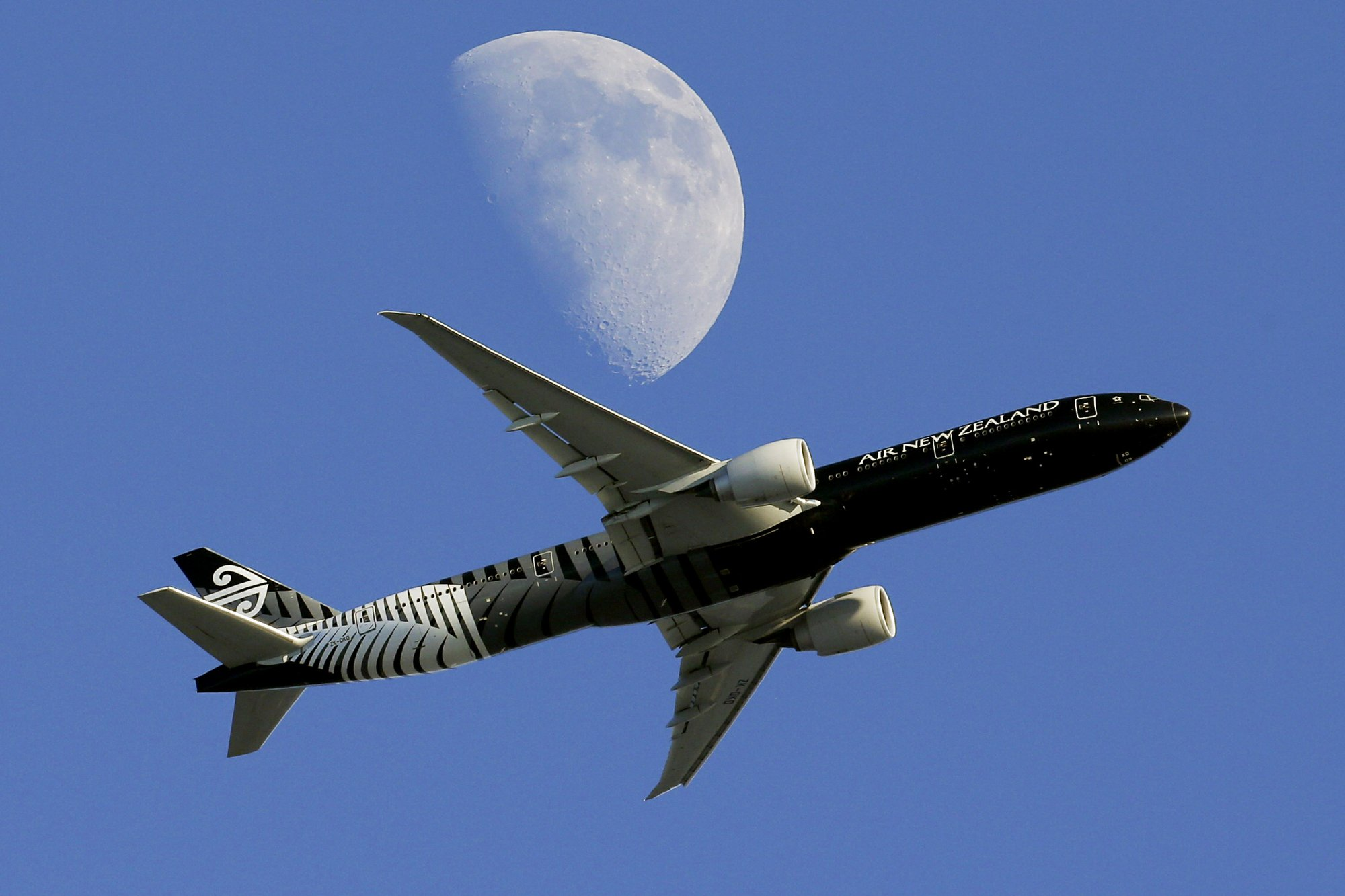 Air New Zealand blames profit dip on engine issues, fuel