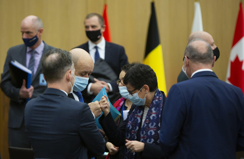 Ukraine Nato Photos and Premium High Res Pictures - Getty