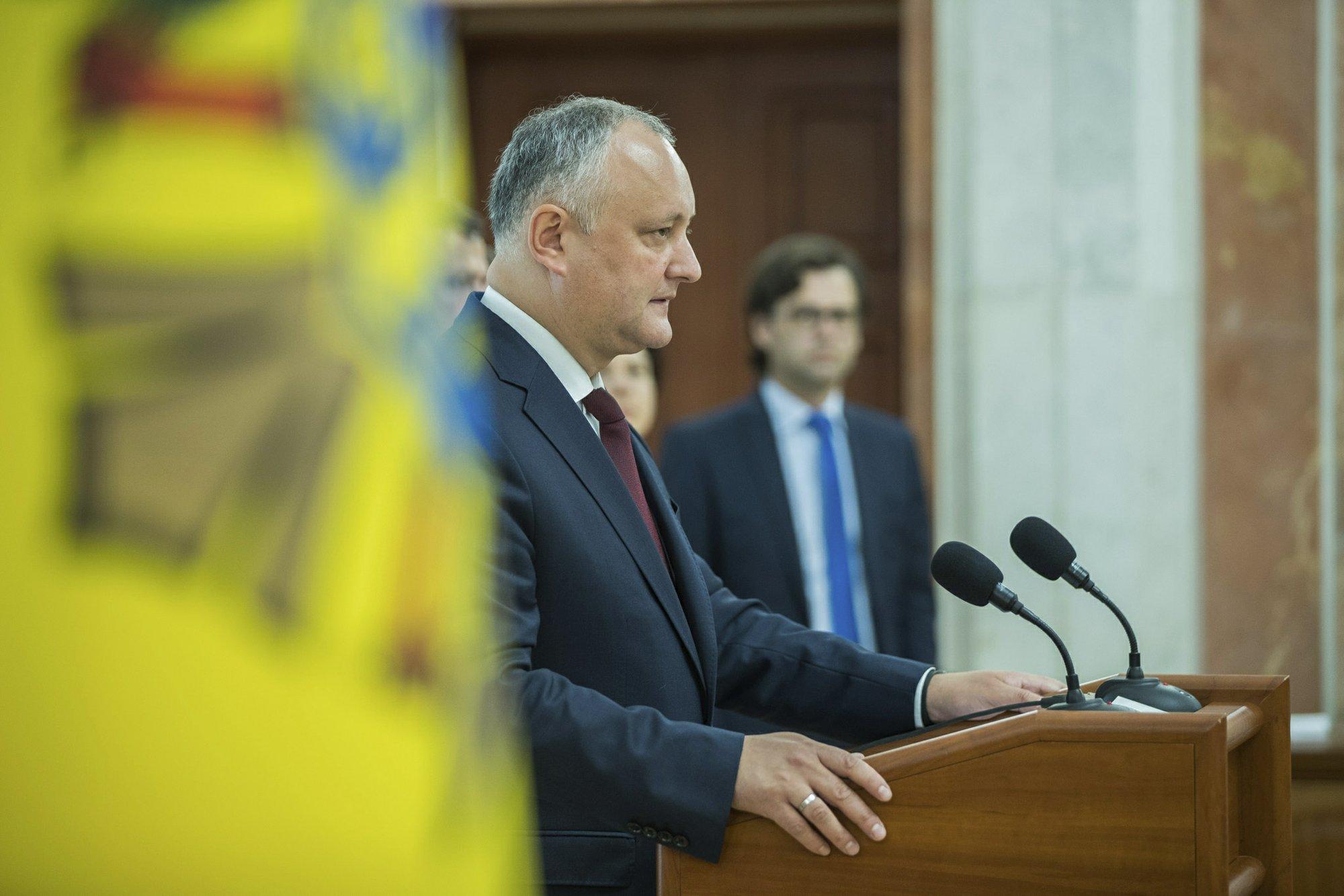 Rival governments vie for power in Moldova political crisis