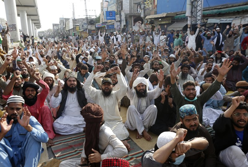 Pakistan briefly blocks access to all social media platforms amid anti-France rally