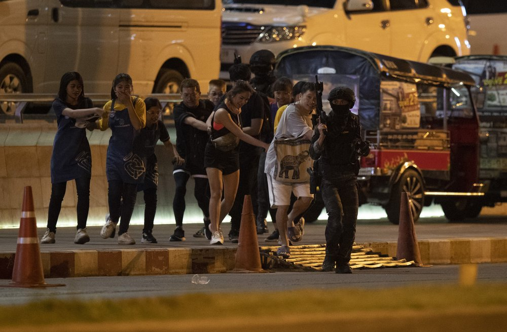 Thai gunman who killed 21 in rampage shot dead in mall