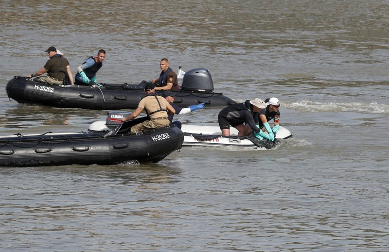 The Latest: Cruise ship in fatal crash returning to Budapest