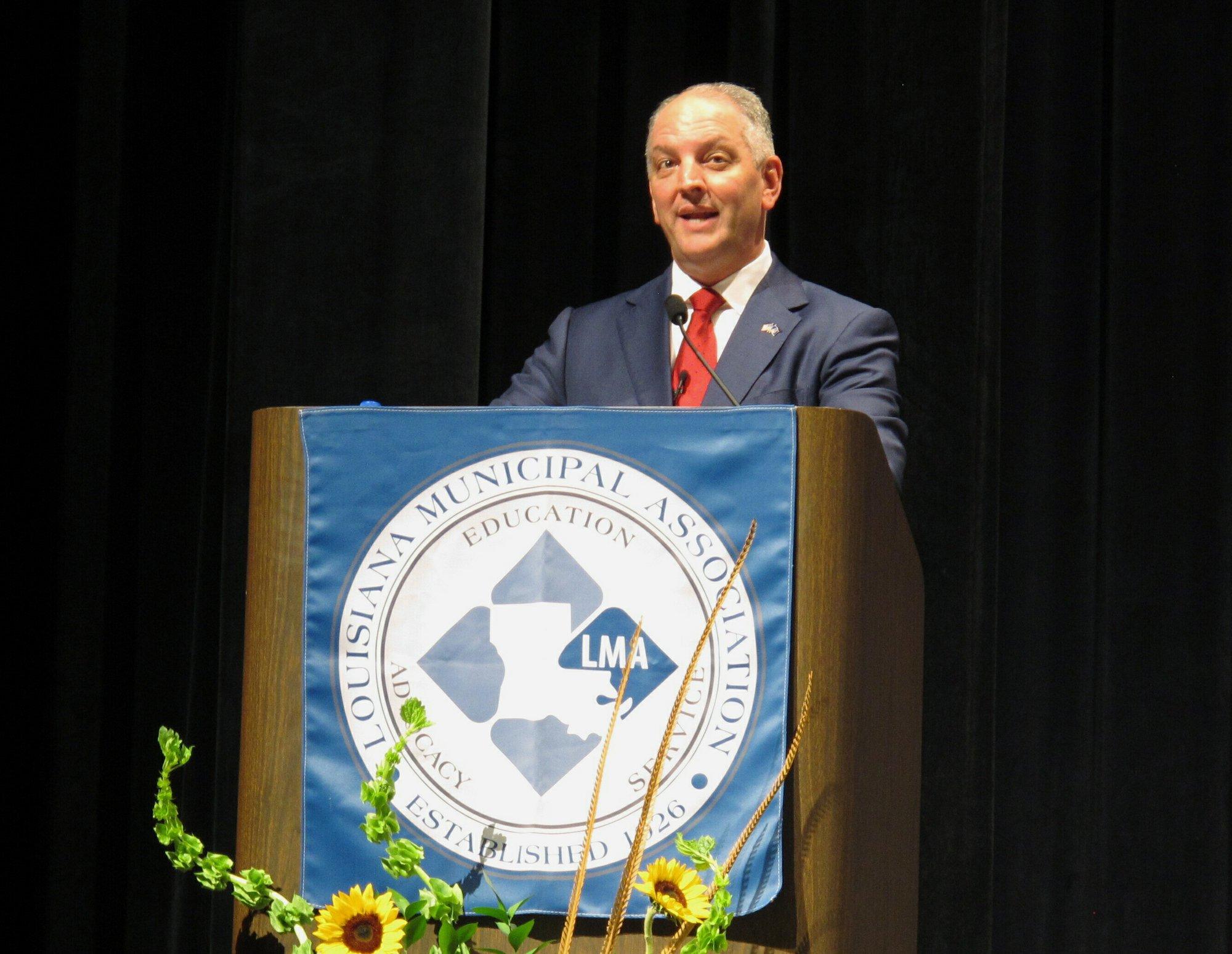 Louisiana governor candidates speak to municipal officials