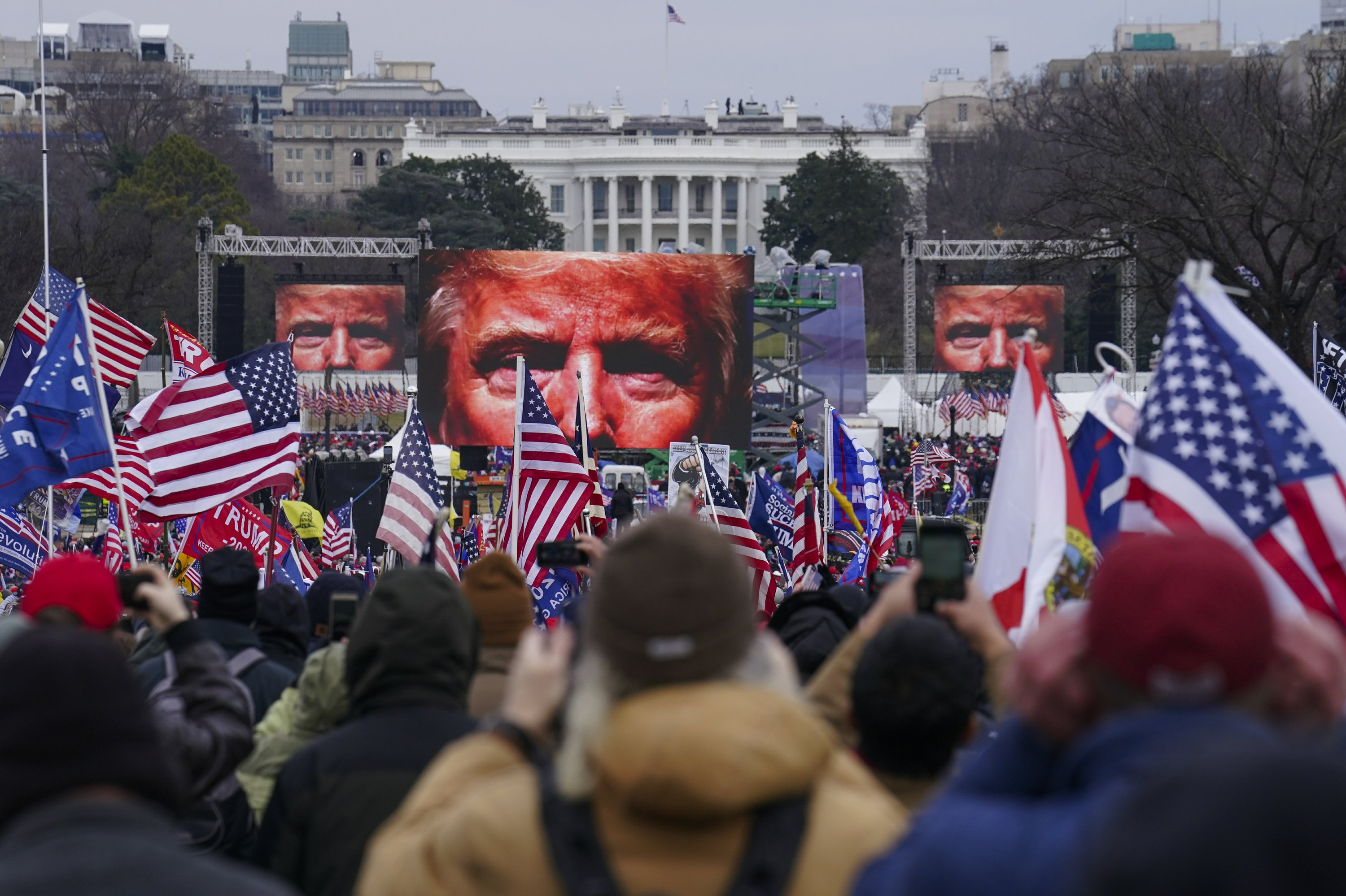 Mob at U.S. Capitol encouraged by online conspiracy theories