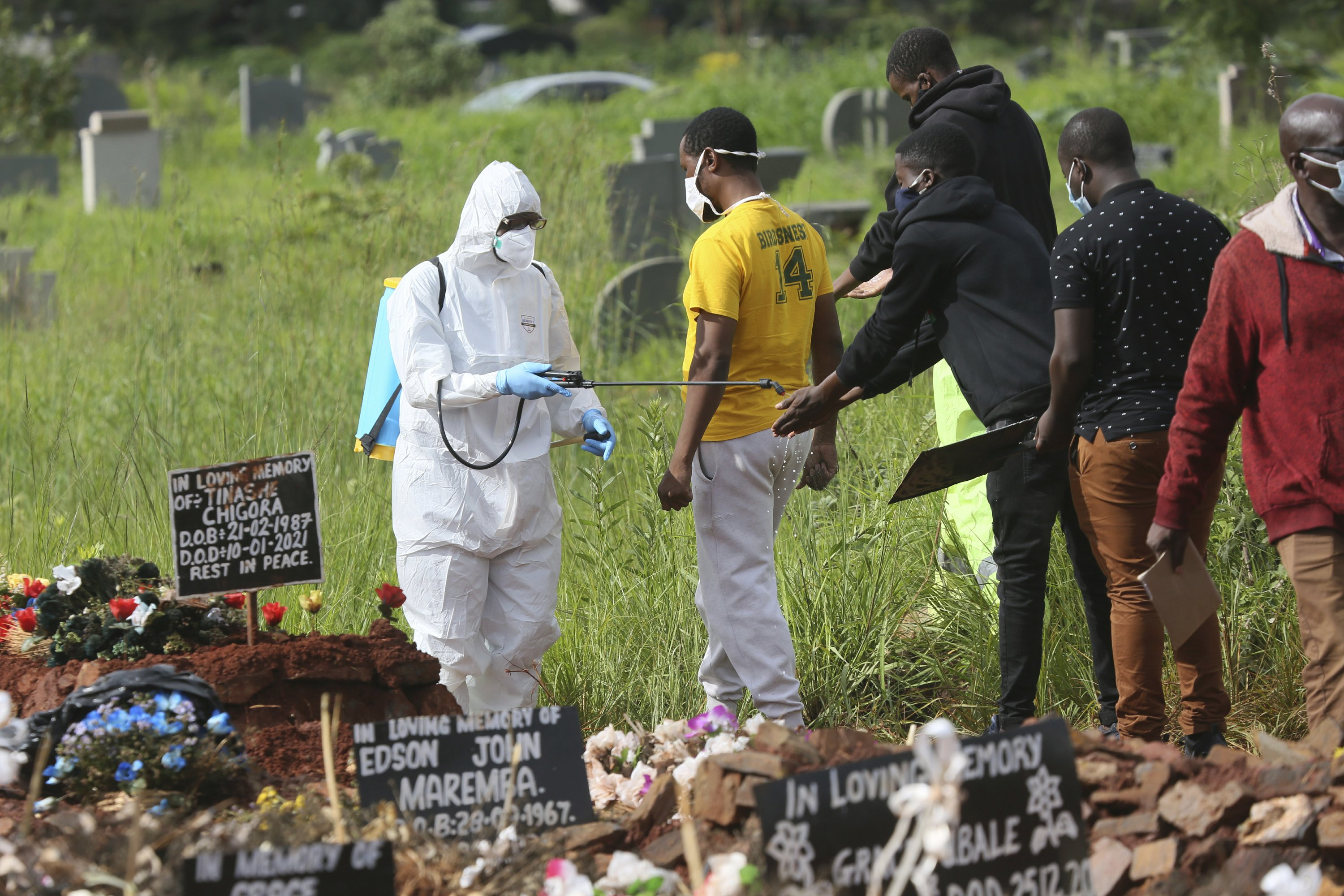 Africa reaches 100000 known COVID-19 deaths as danger grows – The Associated Press