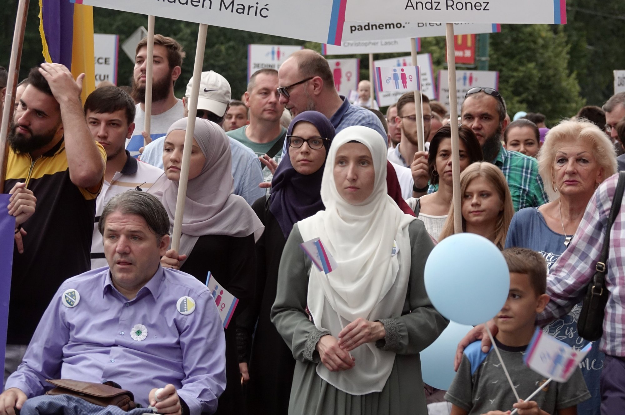 Hundreds march against Bosnia's first LGBT pride parade