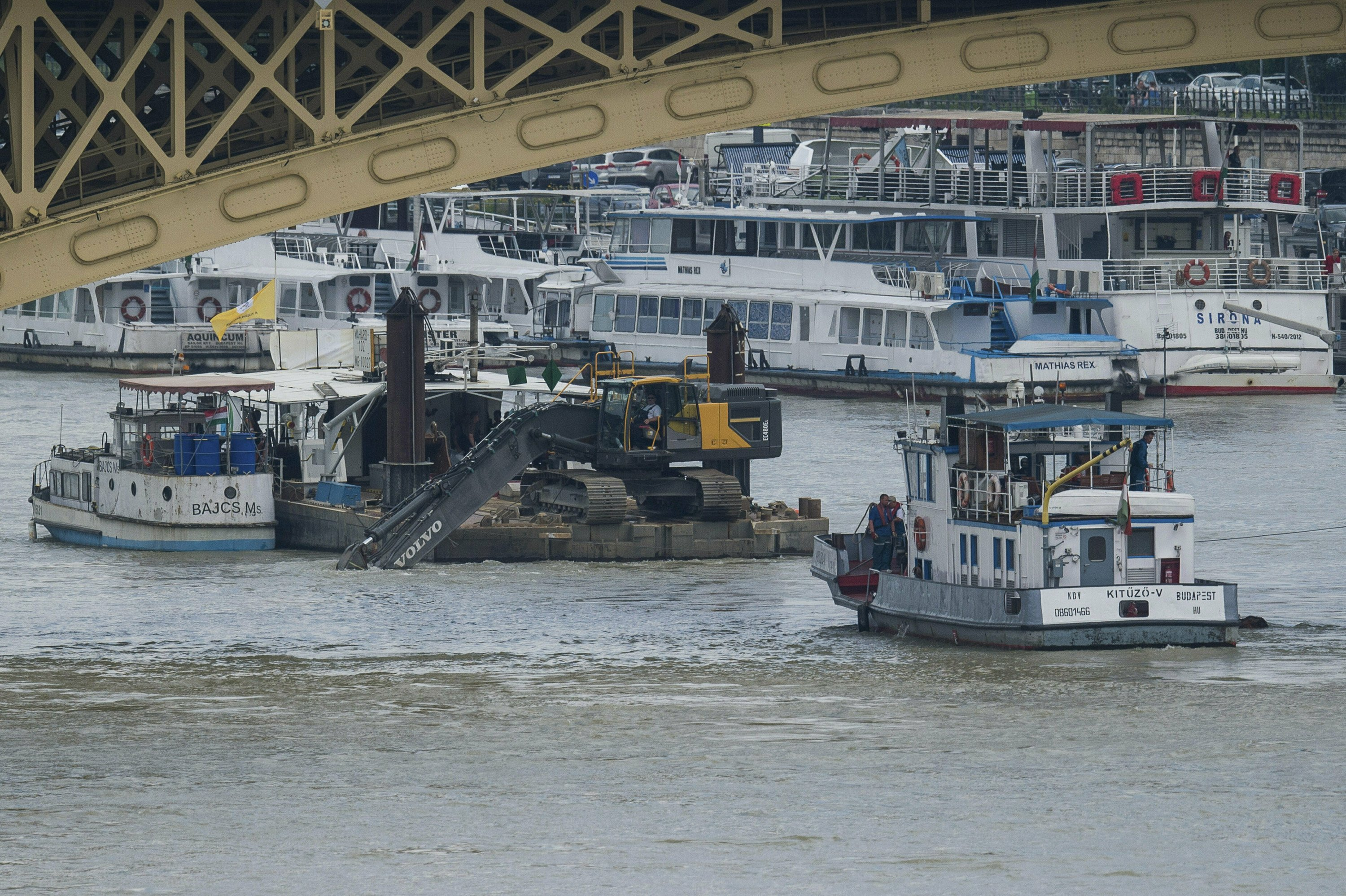 Hungary: Death toll rises to 19 in Danube tour boat crash