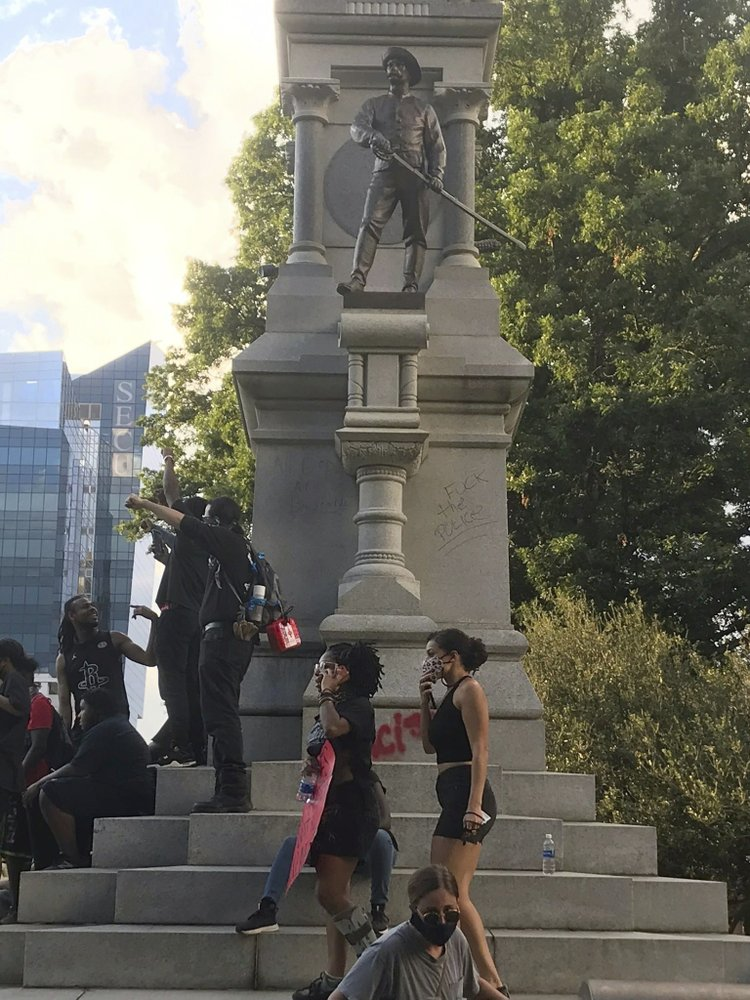 Protesters in multiple cities target Confederate monuments