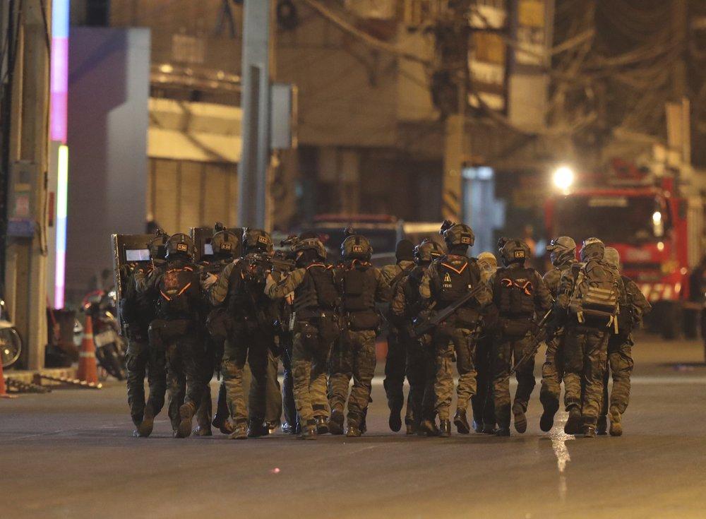 20 dead, 31 hurt in Thai mass shooting; gunman hides in mall