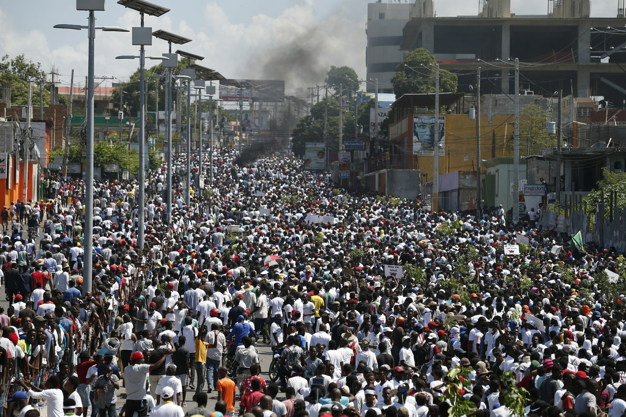 Thousands join protest called by Haiti's art community