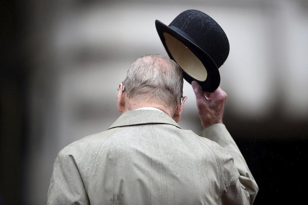 Завжди поруч з королевою: принц Філіп відзначає своє 99-річчя (ФОТО)