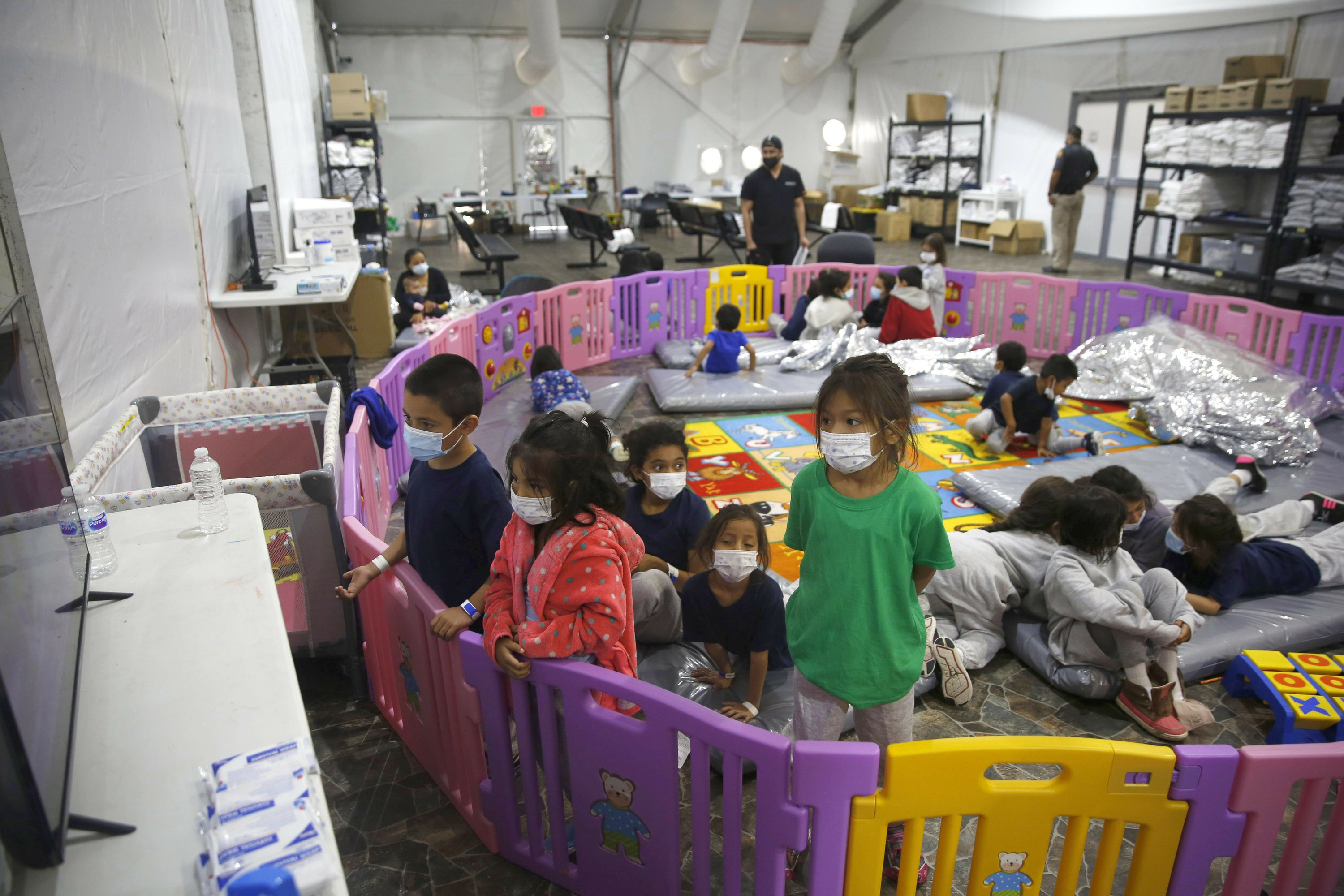 Migrant kids crowded into Texas facility as space runs low