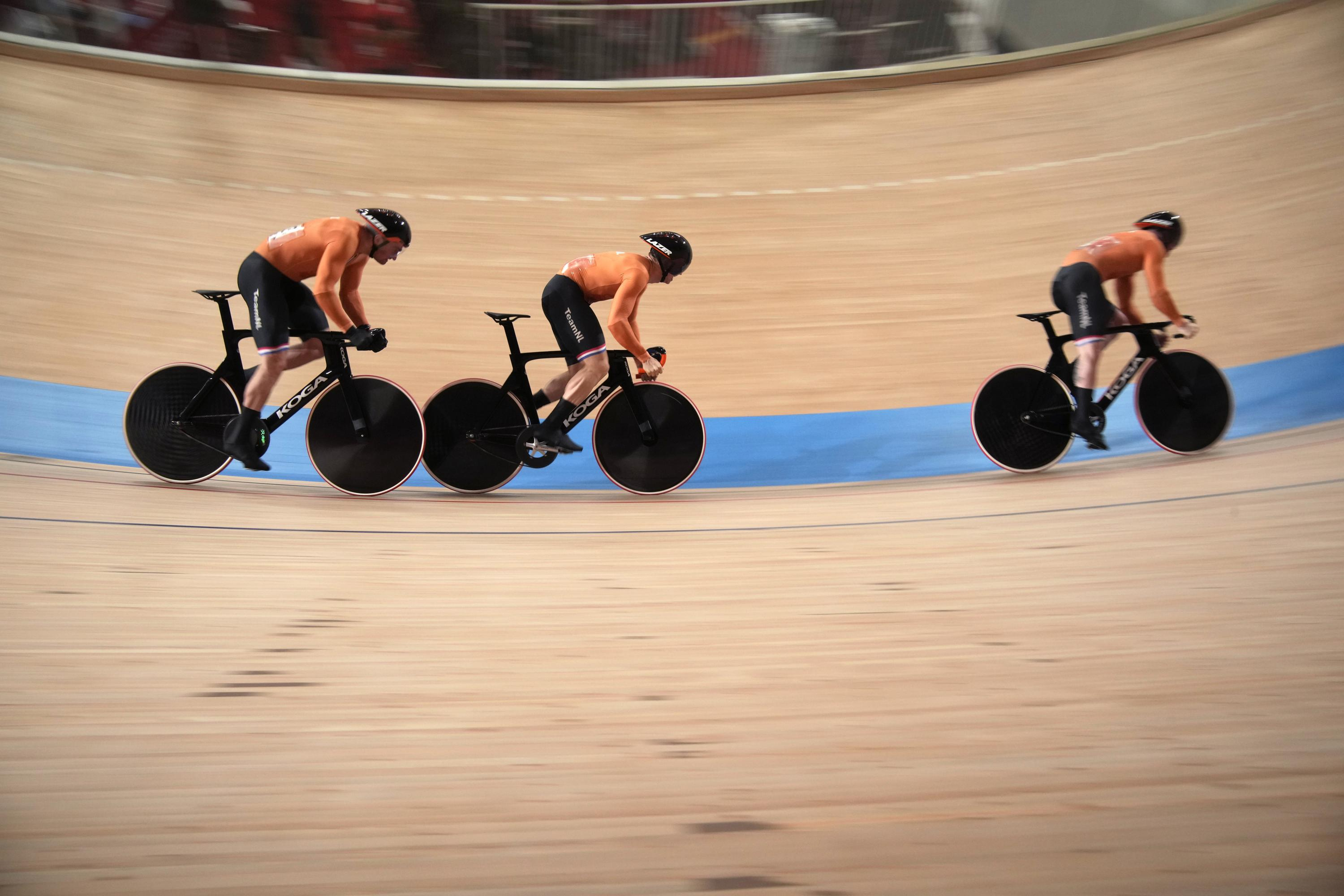 Olympics Latest: Dutch beat British for team cycling gold