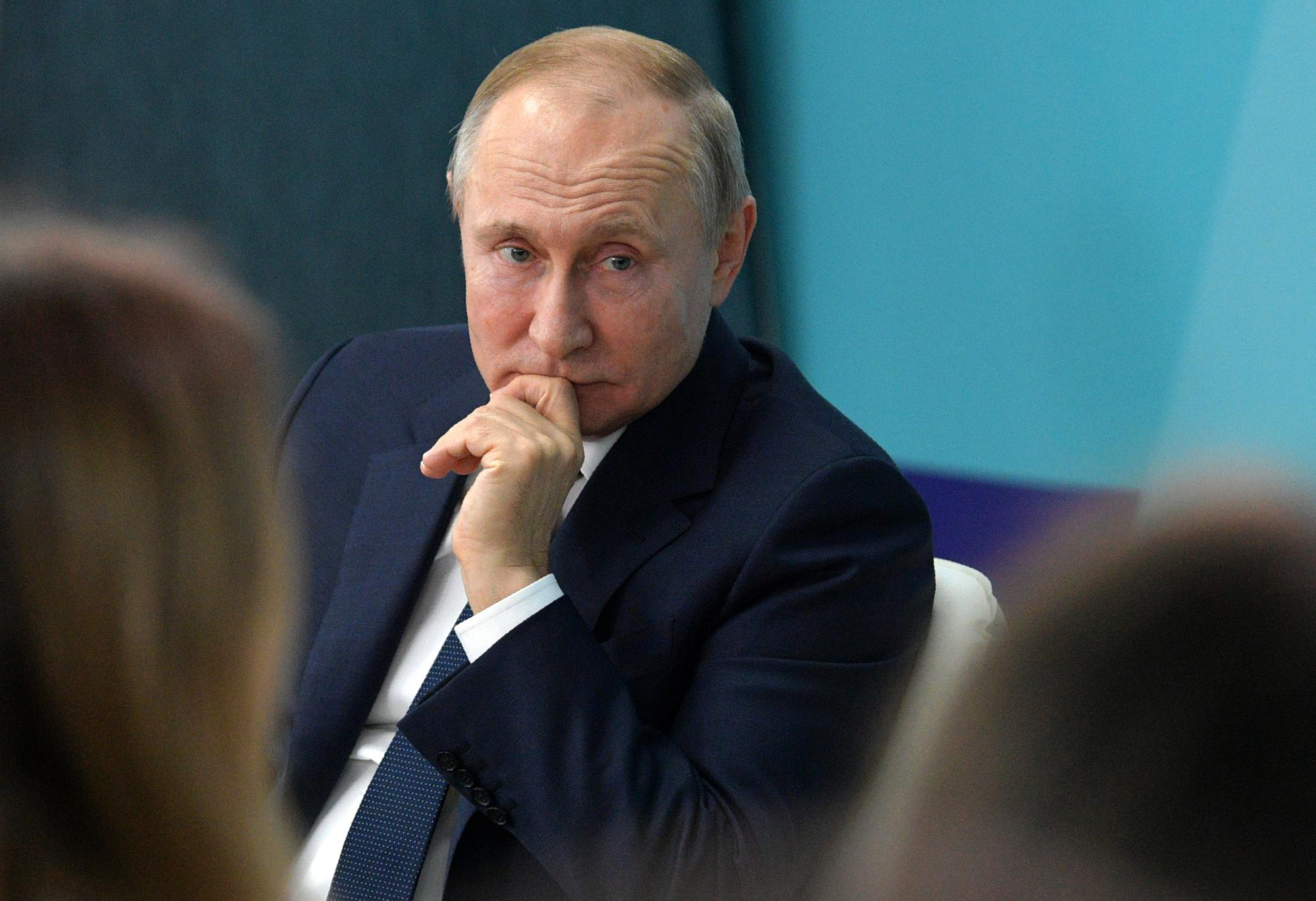 Russian Lawmakers Ok Putin S Constitutional Proposals