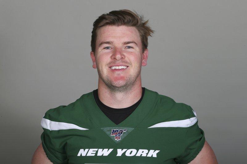 Jets kicker Catanzaro retires after shaky start to camp