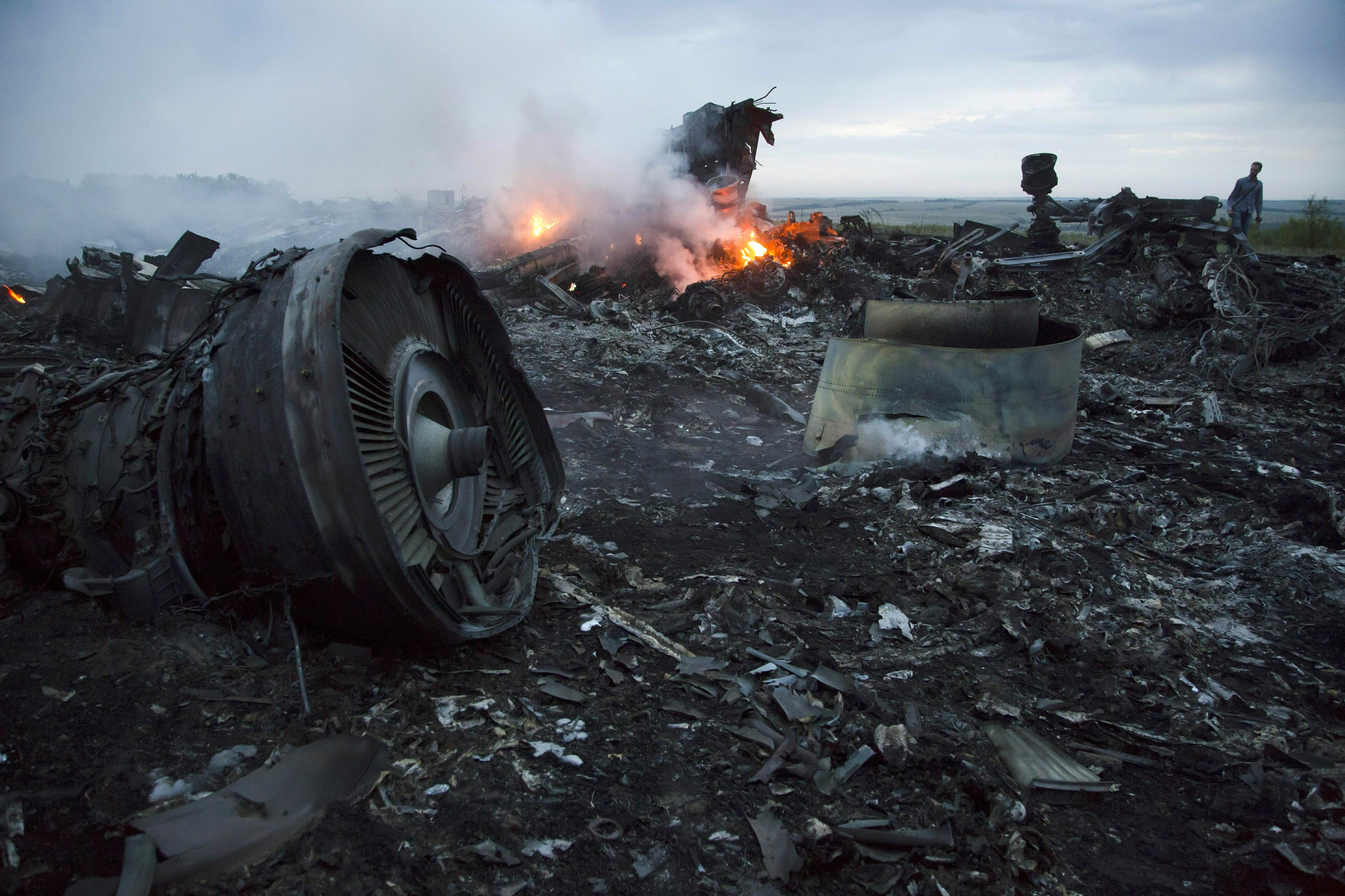 4 charged in downing of Malaysian airliner over Ukraine