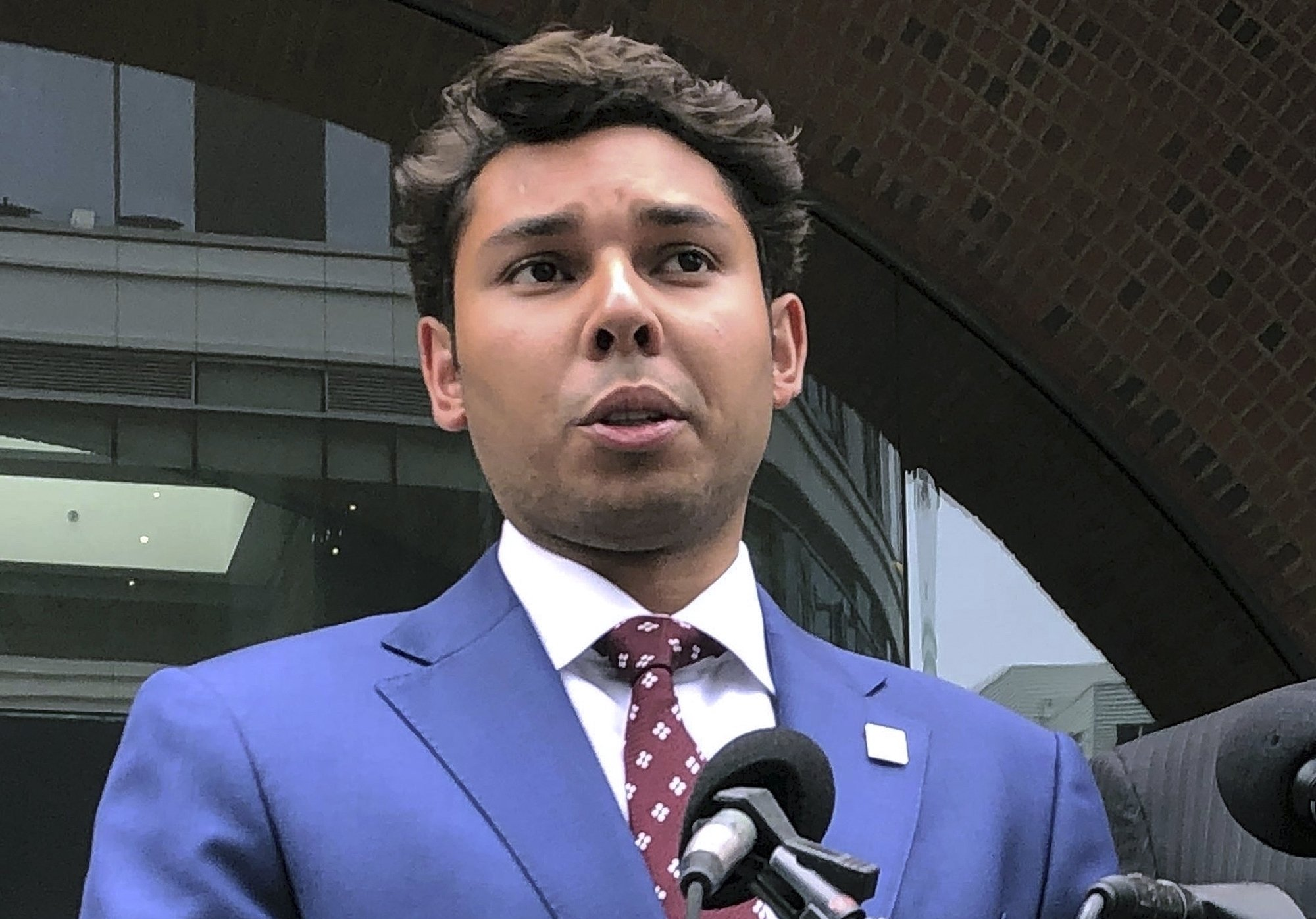 Wunderkind ex-mayor to face jurors in fraud, bribery case