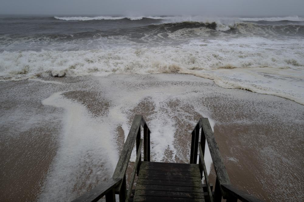 Tropical Storm Henri heads Northeast as millions gird for winds, flooding