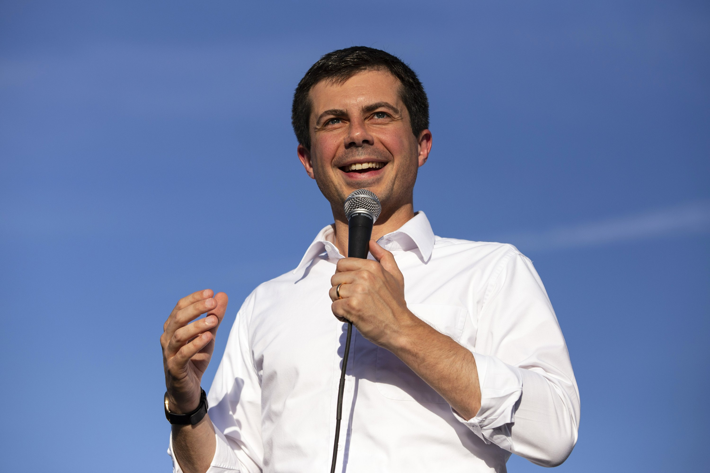 Democratic White House hopefuls target labor at Nevada forum