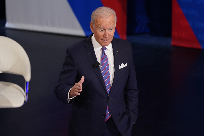 Deal on Biden's $2T plan edges closer; Harris is 'confident'