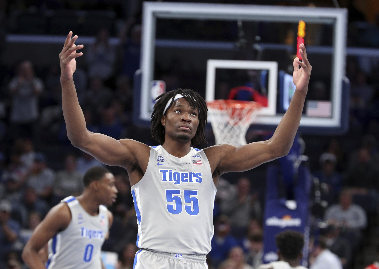 Lomax leads No. 15 Memphis past Bradley 71-56