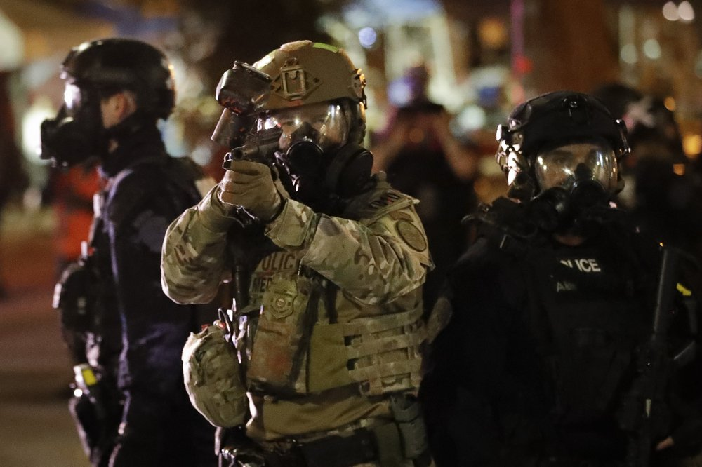 Oregon police to take over from federal agents
