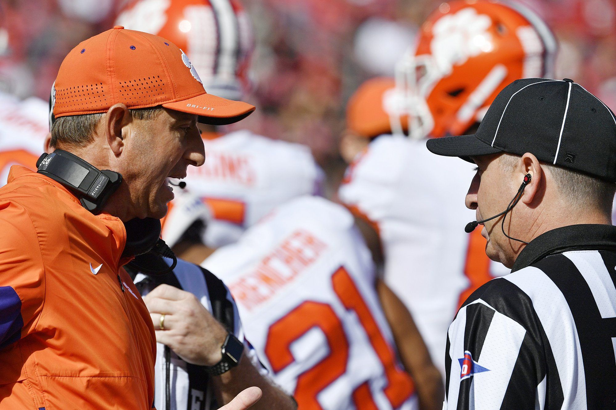 Undefeated Clemson not bothered by slide from No. 1