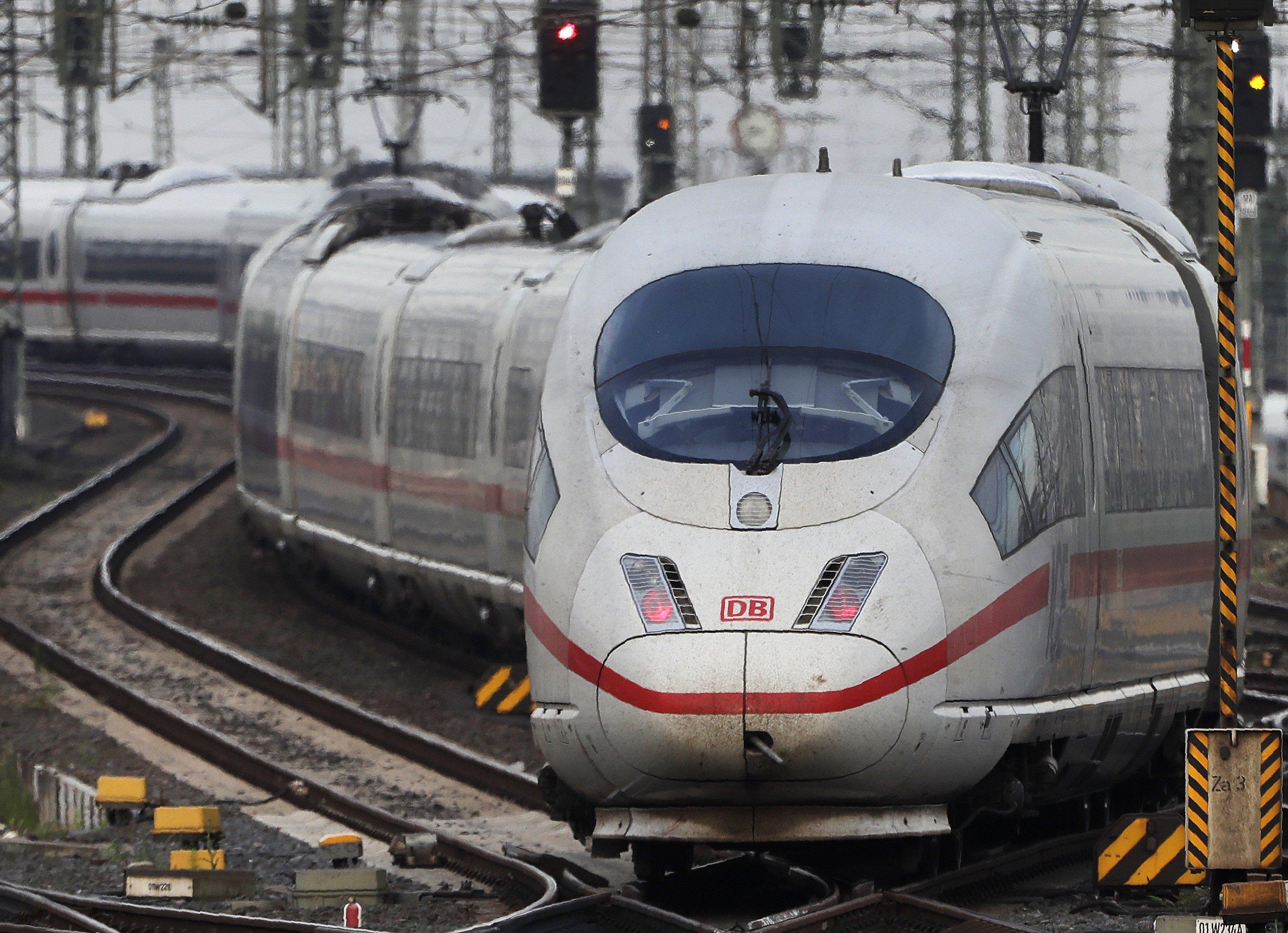 German government signs $96 billion rail infrastructure plan