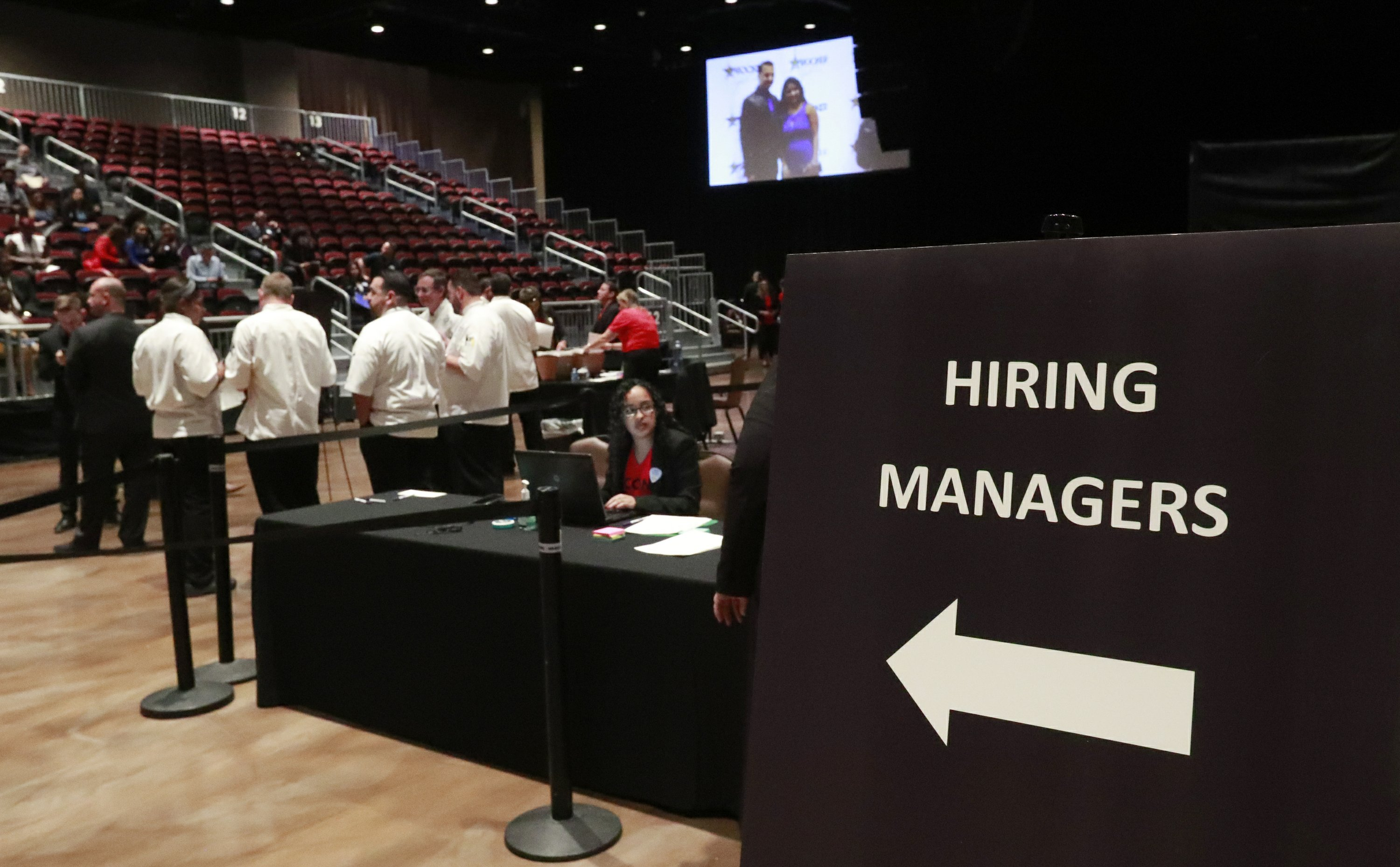 Survey: US business hiring hits 7-year low as sales slow
