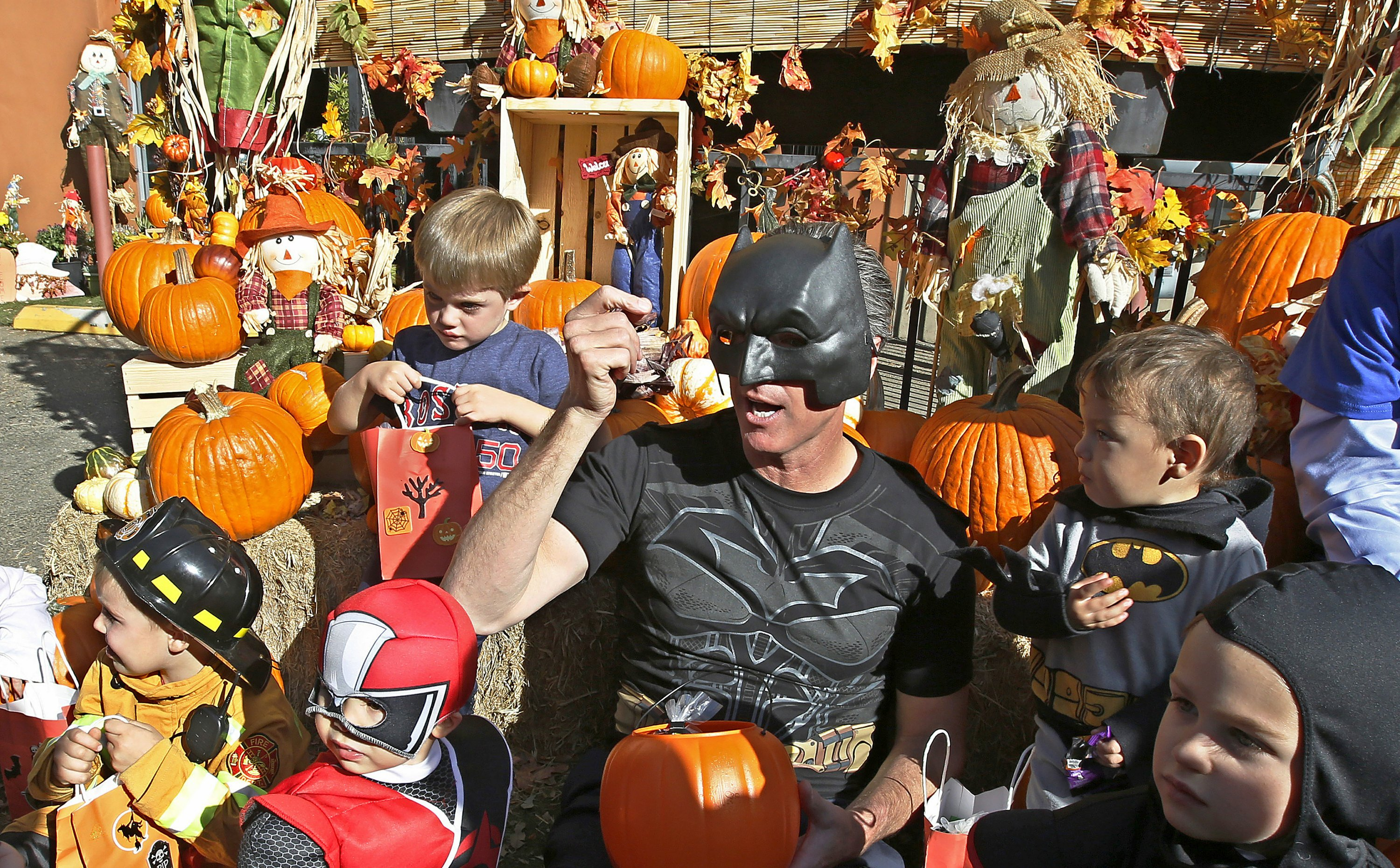 Los Angeles Eases Up On Pandemic Driven Halloween Guidance