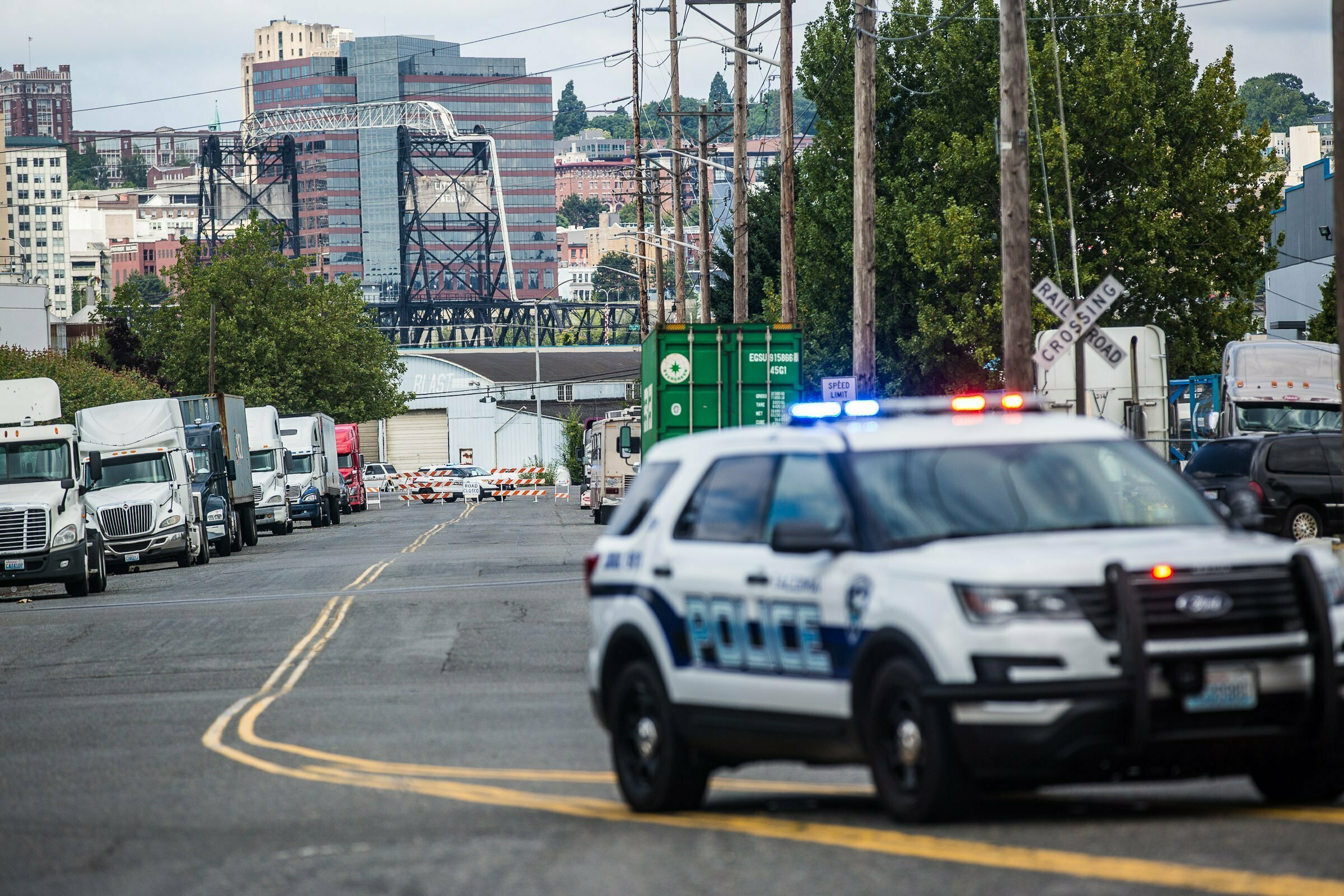 Demonstrators return to immigration jail after attack, death
