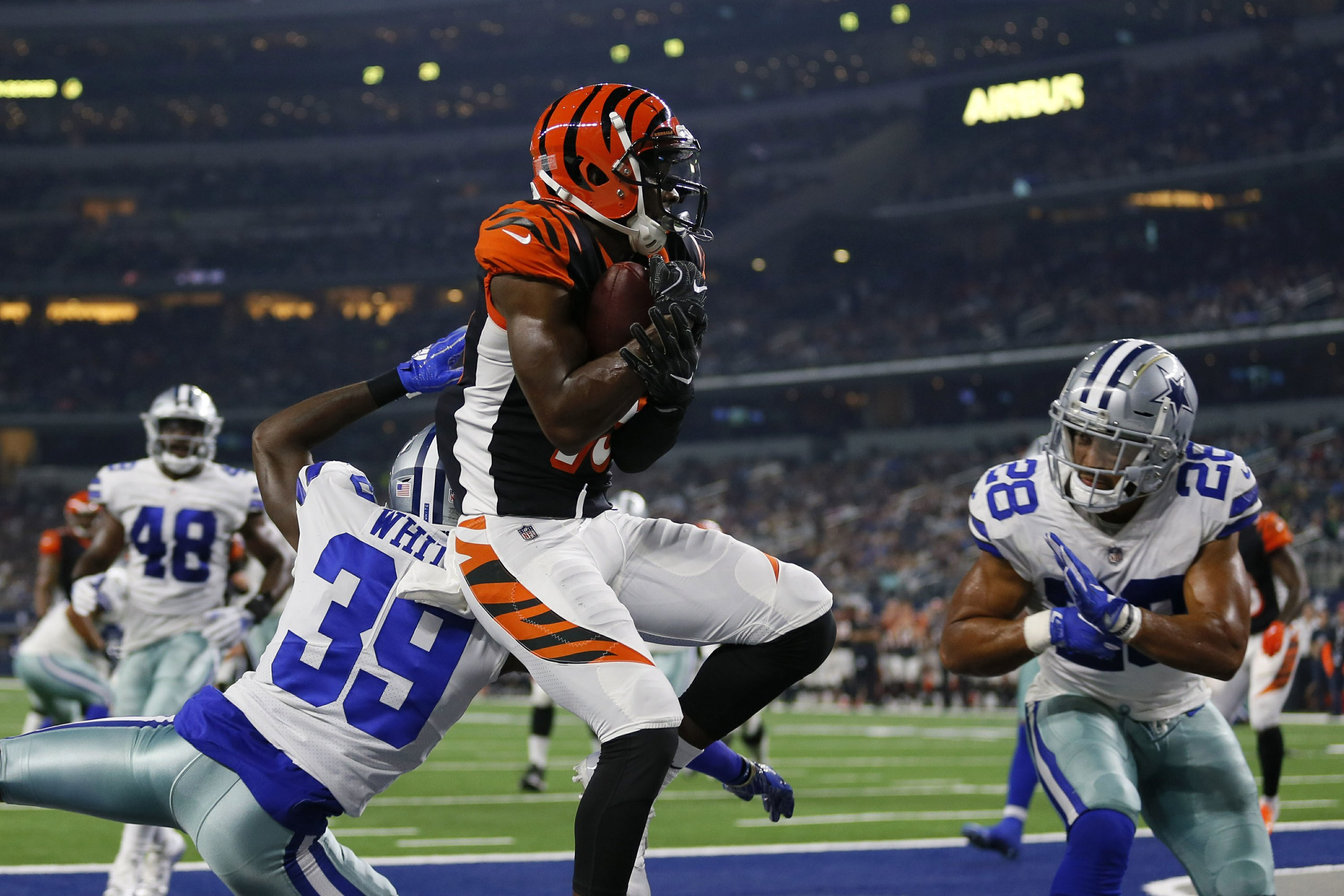 WR Ross returns from injury, giving Bengals a deep threat