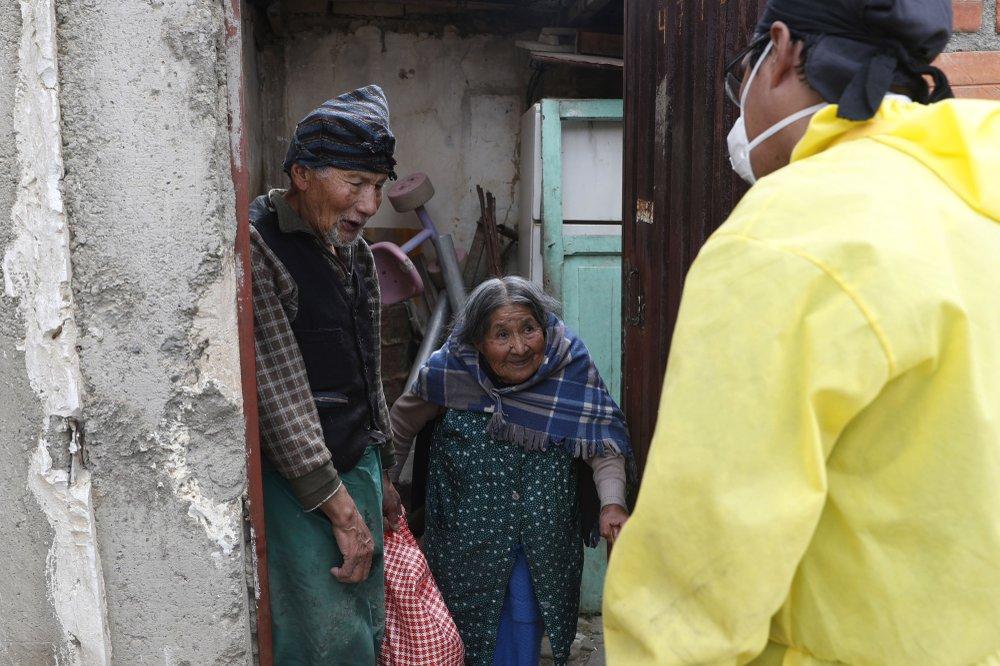 "Volunteer campaign born out of coronavirus  pandemic plague: ""Adopt a Grandparent"" urges volunteers to help senior citizens"