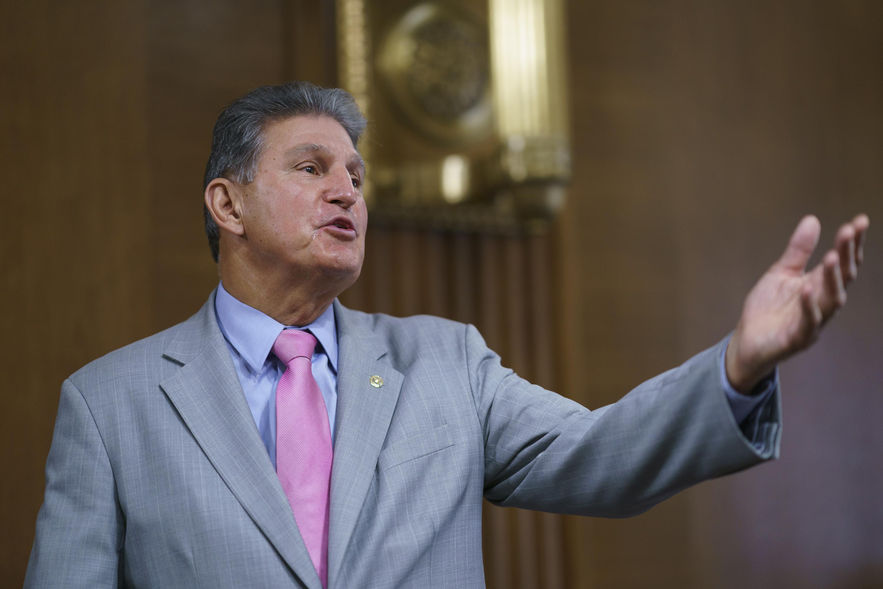 Manchin pans DC statehood bill in another break with Dems