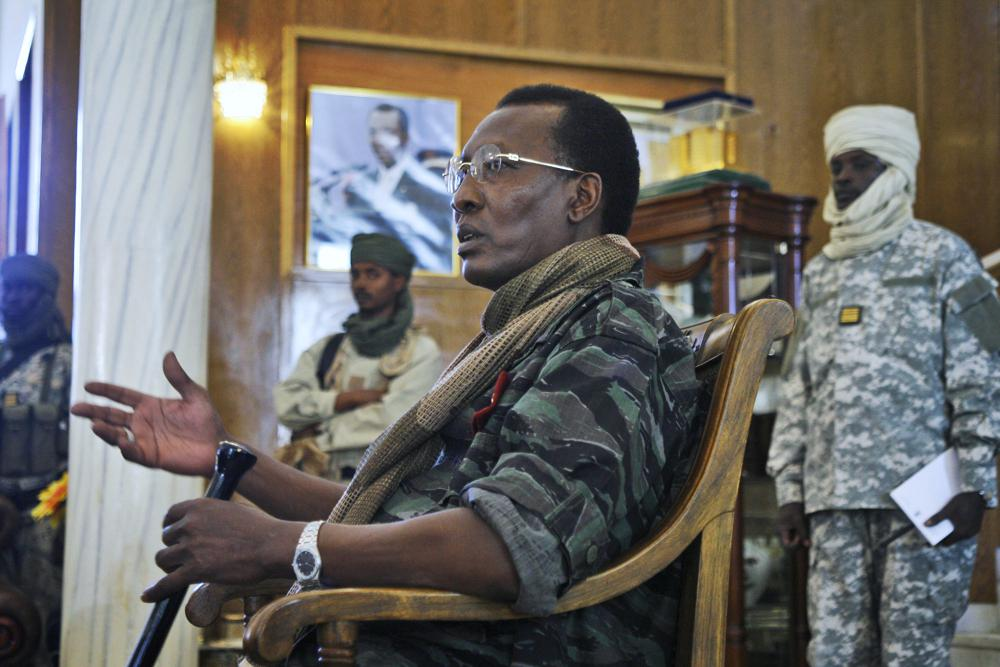 Rebels vow to take capital after death of Chadian president