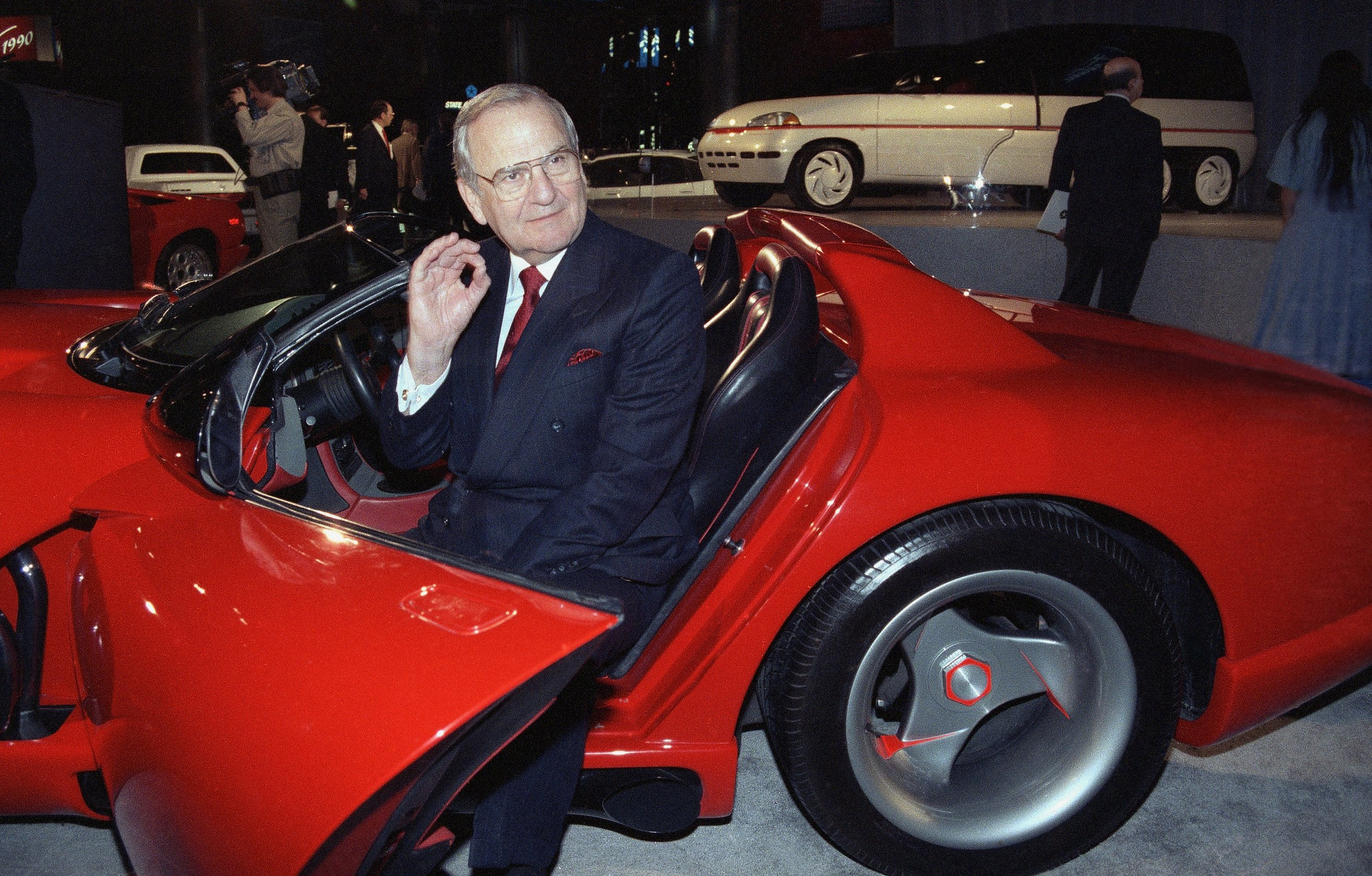 Priest: Ex-Chrysler CEO Lee Iacocca prized family above fame
