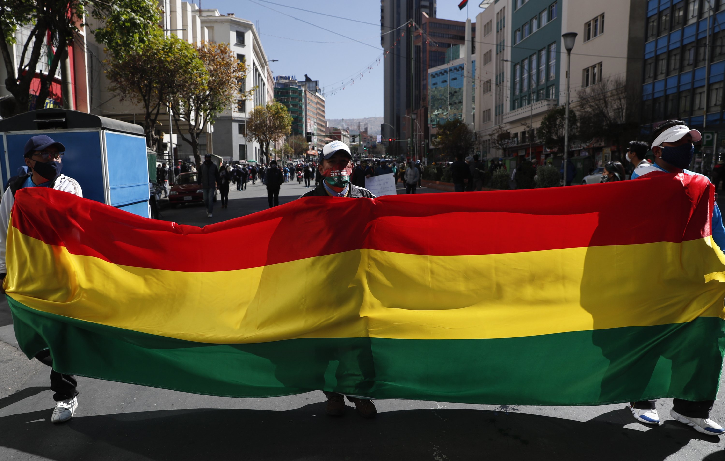 Bolivia tries to hold elections amid pandemic, risking chaos