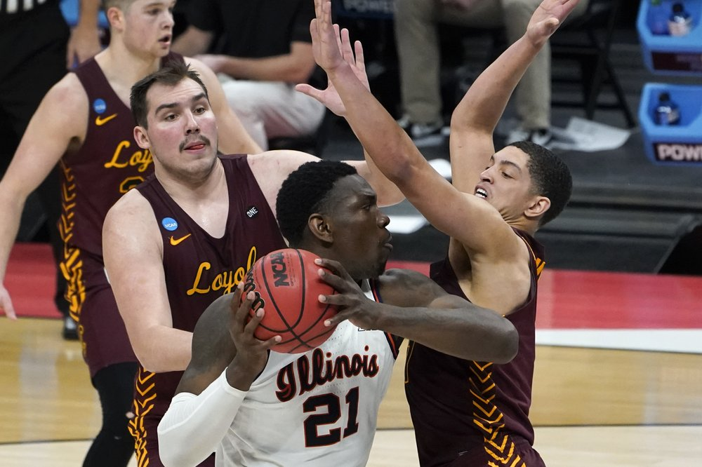 Loyola Chicago stuns top-seeded Illinois 71-58