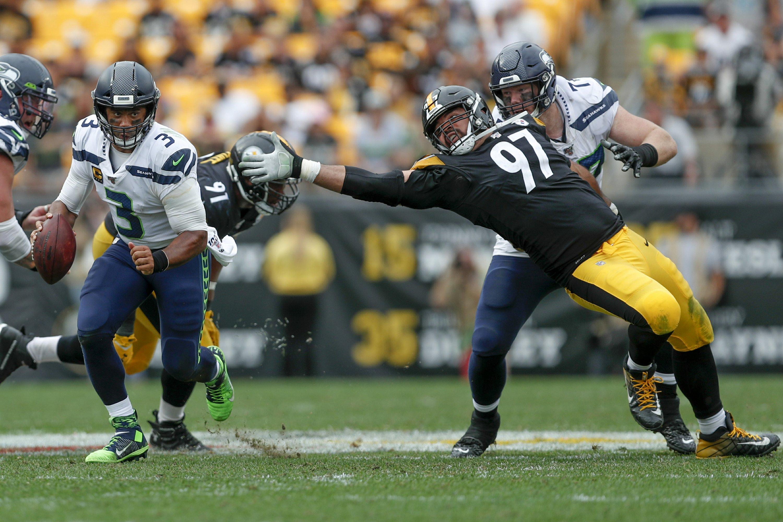 Wilson, Seahawks edge Steelers 28-26 as Roethlisberger exits