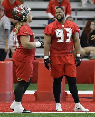 2c590e108a7 Ndamukong Suh practices with Buccaneers for first time