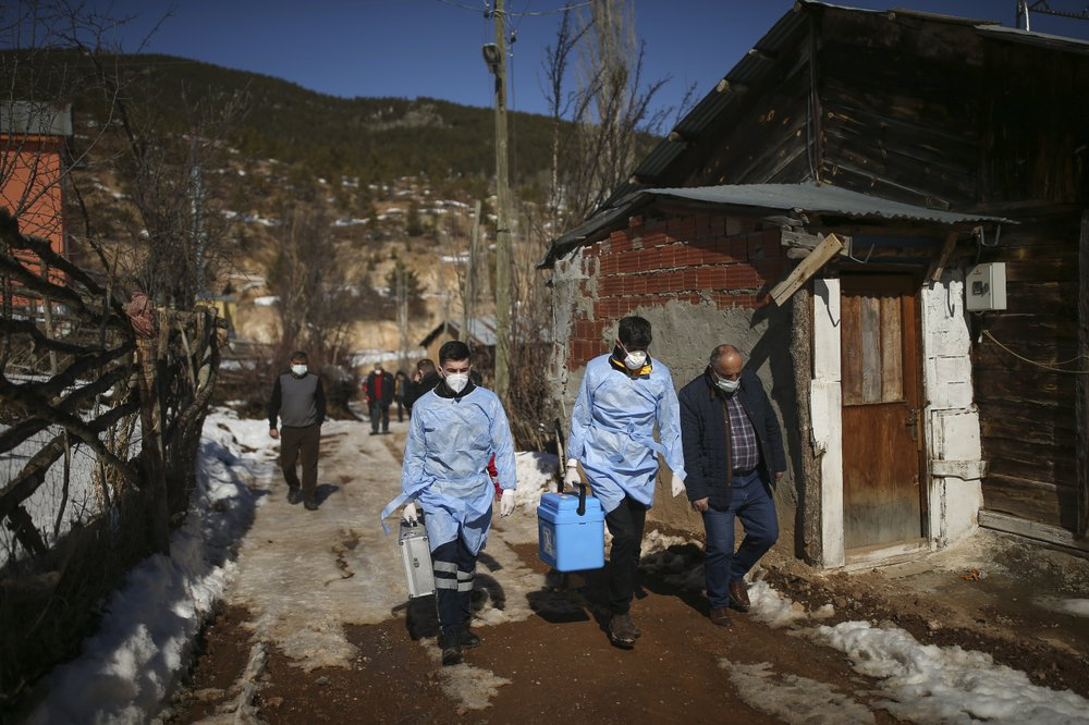 Turkish vaccination teams target isolated mountain villages