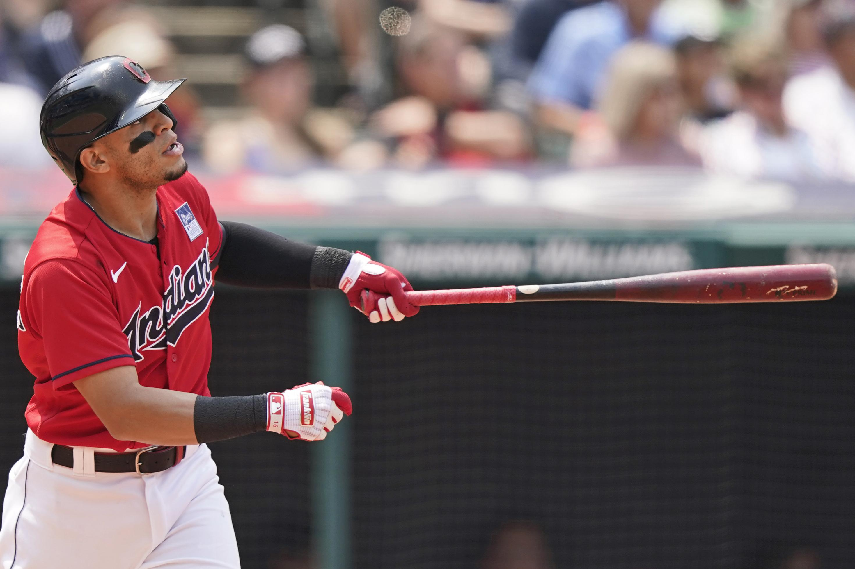 White flag: Indians trade 2B Hernandez to 1st-place Sox - Associated Press