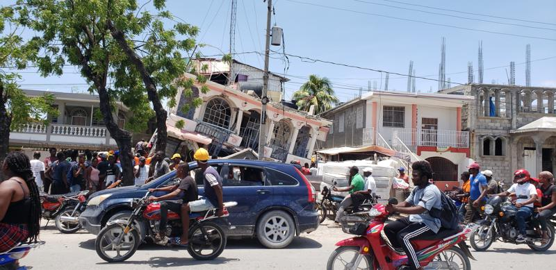 7.2 magnitude earthquake hits Haiti; at least 304 killed