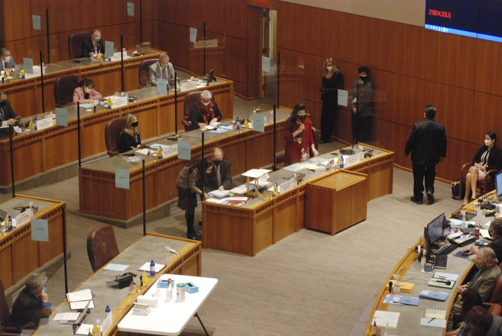 New Mexico Legislature pushes to repeal ban on most abortion procedures