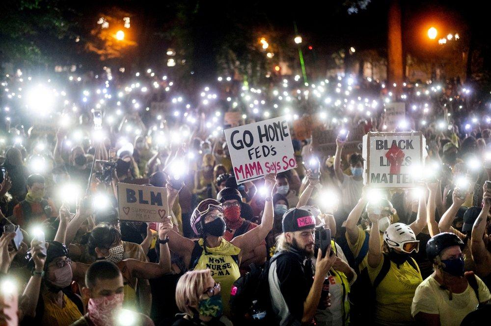 """""""Go home feds!"""" Portland, Oregon, protesters scream"""