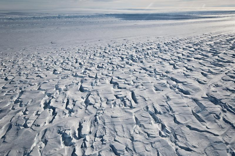 Ice Shelf Holding Back Pine Island Glacier in Antarctica is Breaking Up Faster Than Before