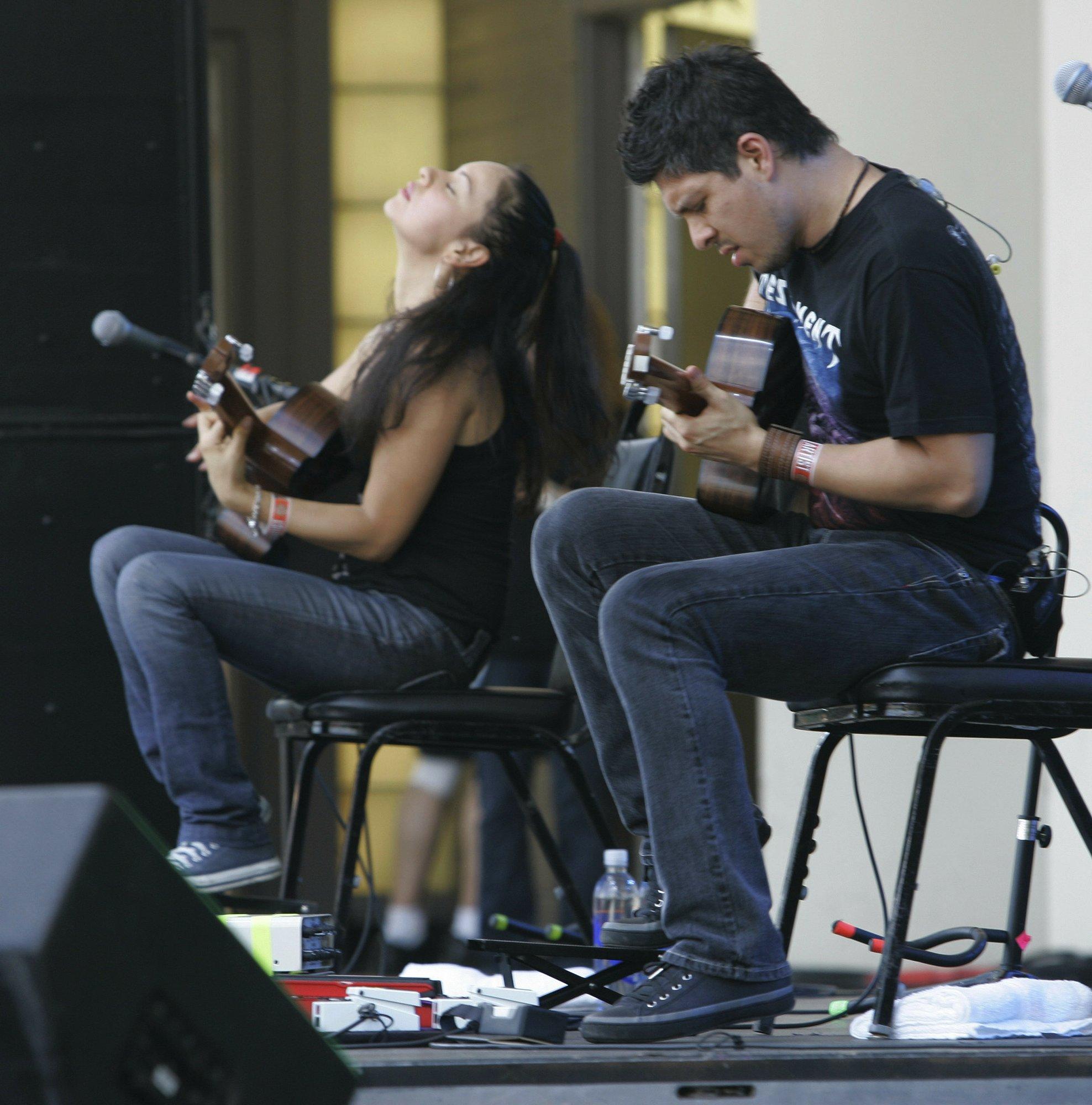 Rodrigo y Gabriela return to their roots with a new album
