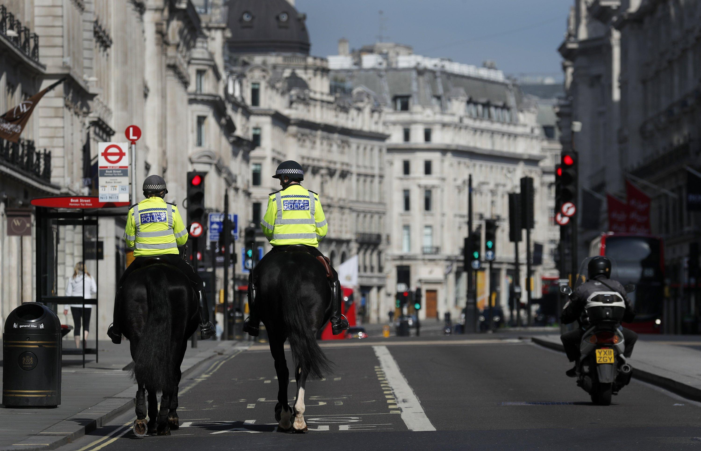 UK Coronavirus Lockdown Extended: UK govt extended lockdown in Covid strain. UK also decided to quarantine travelers from Covid-19 countries.