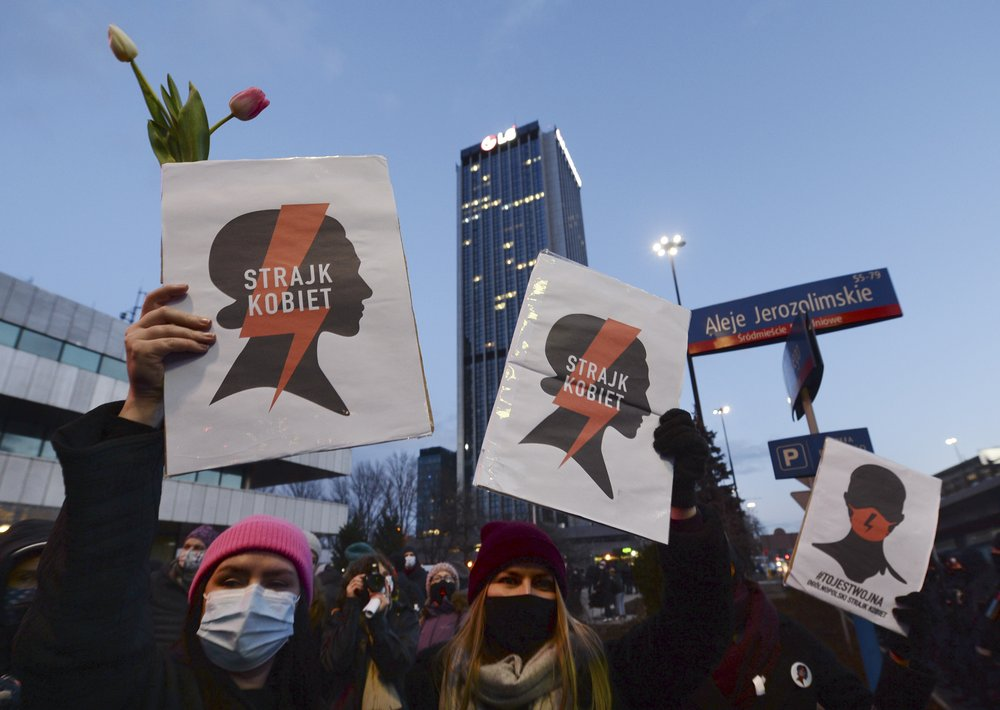 Polish women spend Women's Day protesting abortion ban